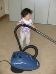 18/06 vacuuming